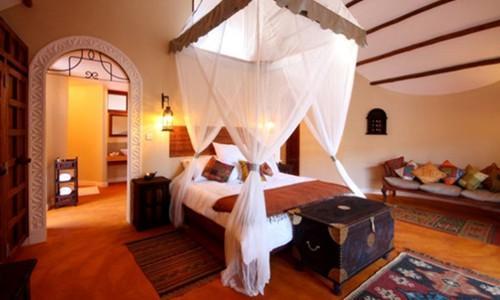 Azanzi Beach Hotel Deluxe room